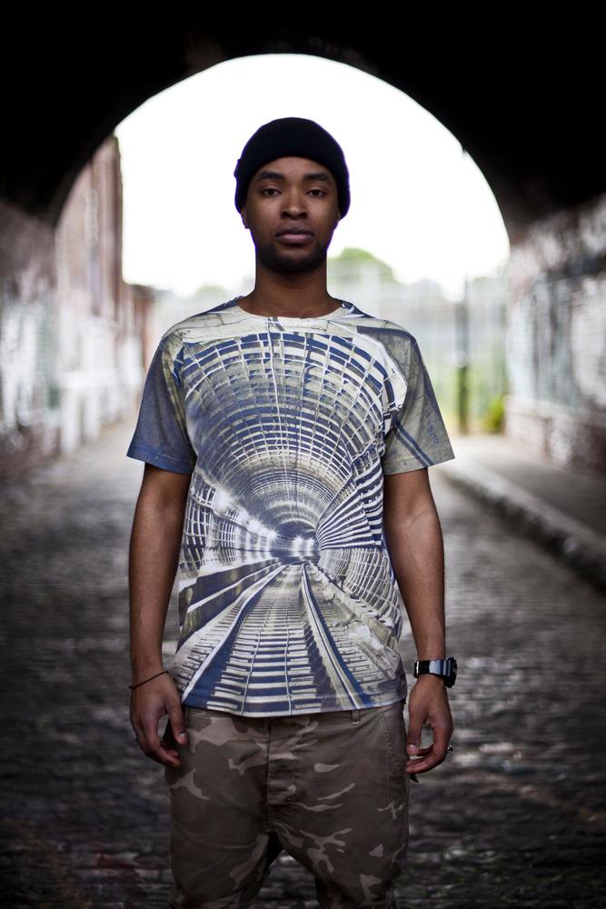 Tunnel_vision_Tshirt_2a_